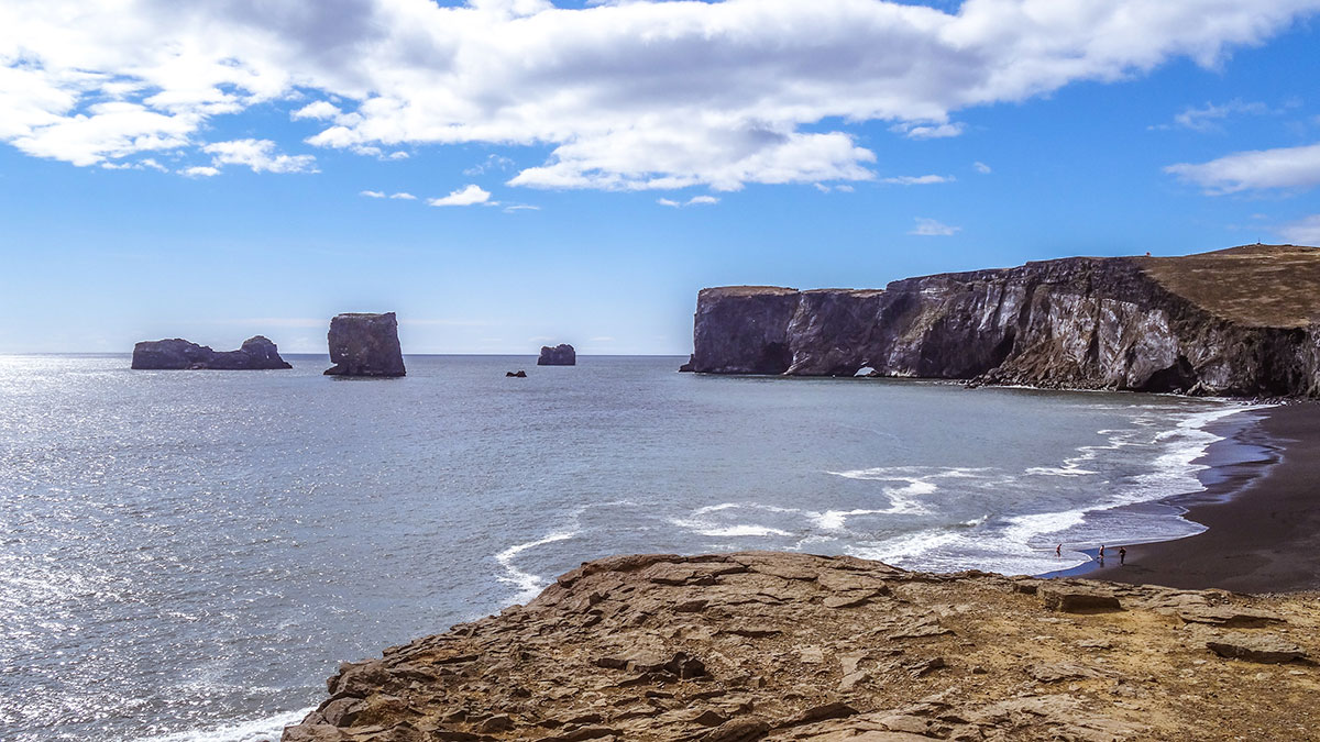 iceland-reynisfjara-black-beach