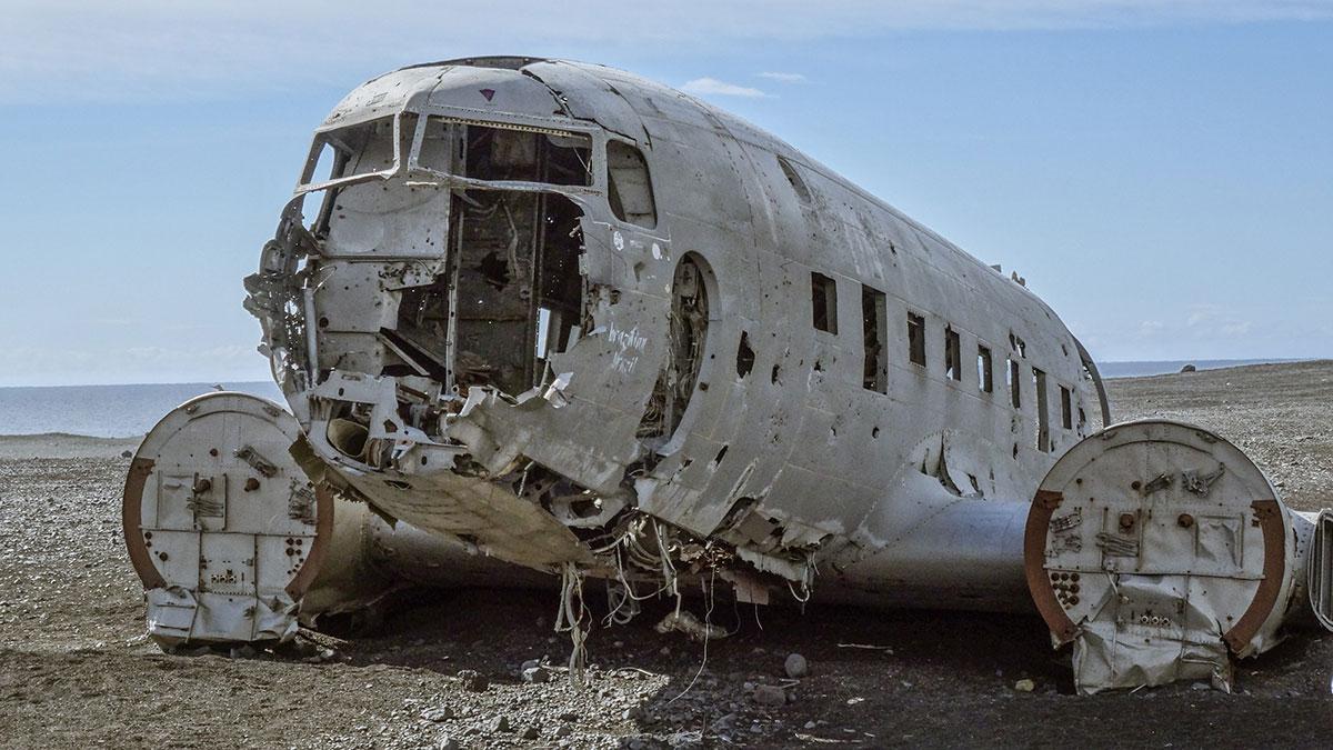 iceland-solheimasandur-abandomed-plane
