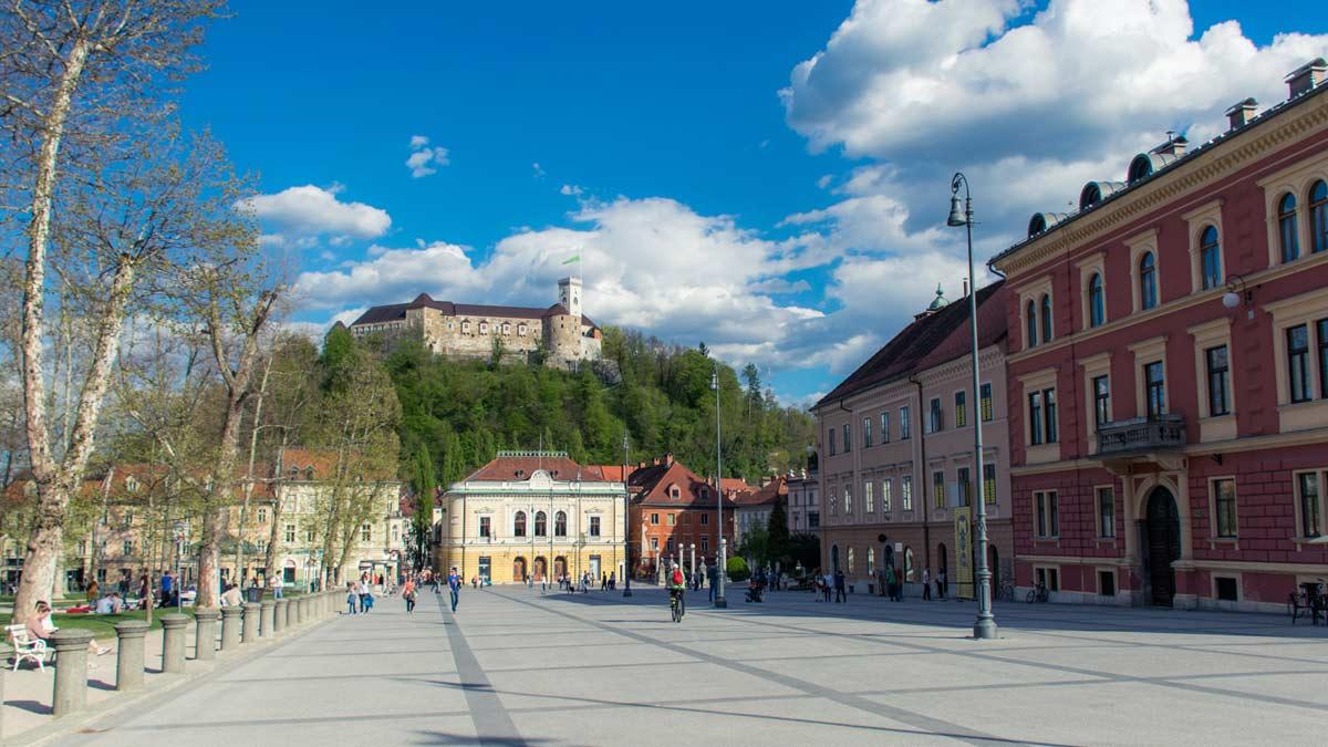 ljubljana kongresni square