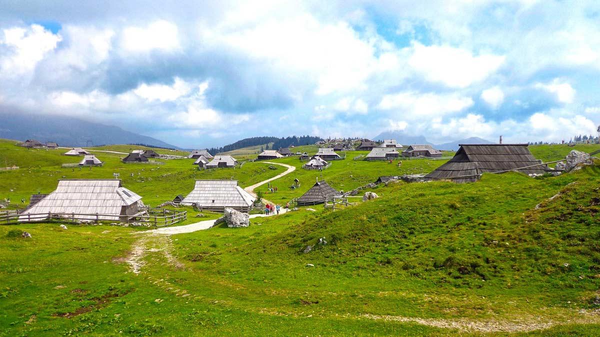 velika-planina-big-pasture-plateau